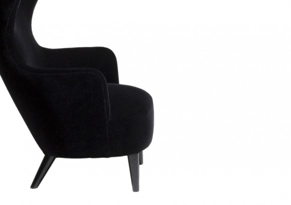 wingback-chair-black-legs_1_10