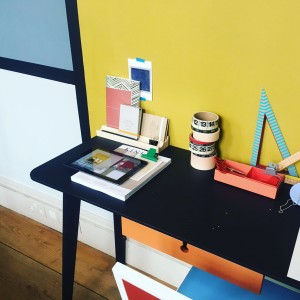 Use blocks of colour to creating working zones n your home